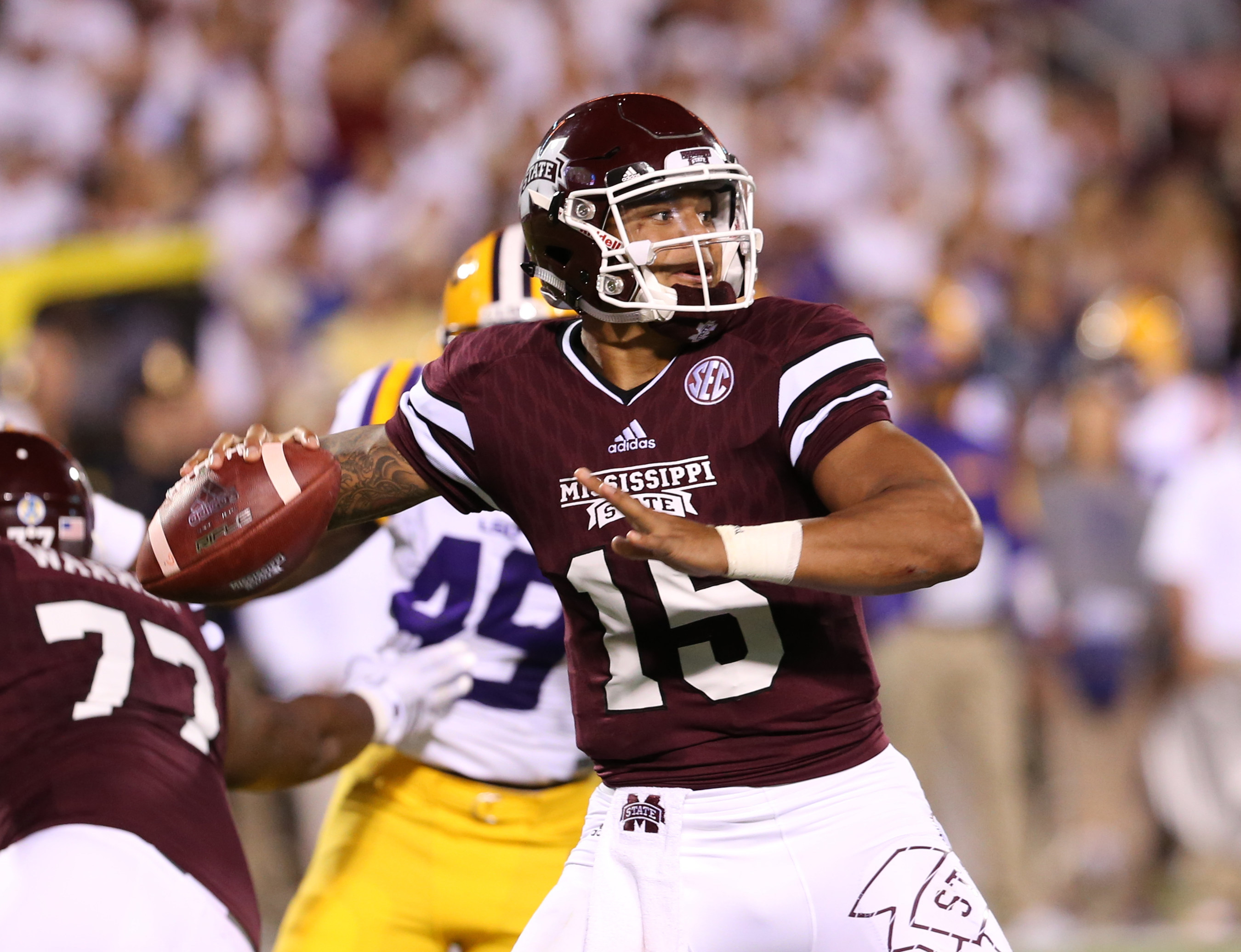 Mississippi State's Dak Prescott wins C Spire Conerly Trophy as best college football player in Magnolia State during 2015