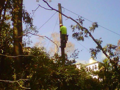 Hurricane Sandy Service Update: Verizon Employees Continue Working Round-the-Clock to Restore