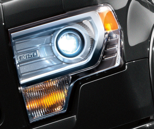 OSRAM Automotive Lighting and Ford continue to lead the way in lighting innovation with the 2013 Ford F-150, the first mainstream pickup to feature a high intensity discharge (HID) headlamp system on select models.  (PRNewsFoto/OSRAM SYLVANIA)