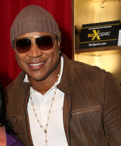 LL Cool J was the epitome of graciousness when he stopped by BioXgenic to pick up some swag at the Official 56th Annual GRAMMY Awards(R) presenters and performers talent lounge. (PRNewsFoto/MD Science Lab) (PRNewsFoto/MD SCIENCE LAB)