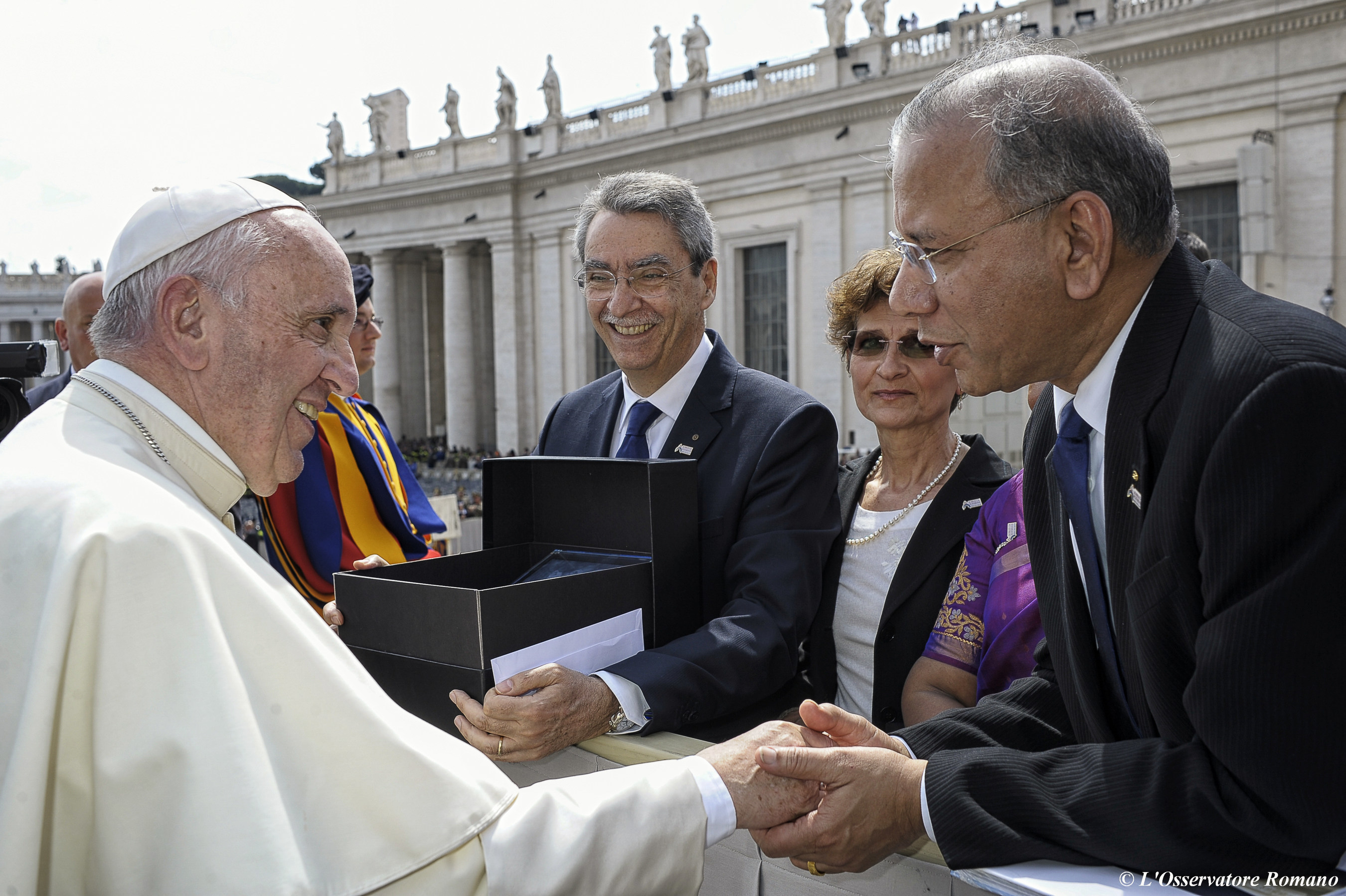 Rotary International President K.R. Ravindran is greeted by Pope Francis following the Jubilee Audience at the Vatican in St. Peter's Square on April 30, 2016. Photo courtesy of the Vatican.