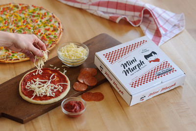 The Mini Murph Make 'N' Bake Pizza Kit inspires imagination and creativity among the smallest of Papa Murphy's fans.  (PRNewsFoto/Papa Murphy's International)