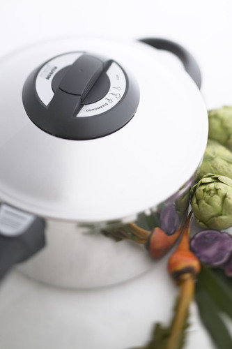 Resolutions for 2012:  Revitalize Your Healthy Cooking Goals with the Right Kitchen Tools