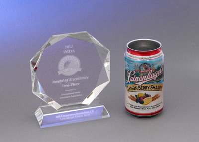 Leinenkugel's Lemon Berry Shandy can, decorated by Ball Corporation, wins Award of Excellence from the International Metal Decorators Association.  (PRNewsFoto/Ball Corporation)