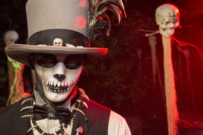As a new scare in 2016, guests can travel through the brand new Blood on the Bayou maze and discover the dark secrets that trouble the monsters of the French Quarter.