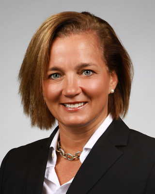 Industry Veteran Robyn Holloway Signs On To Lead Sales Of Customizable Business Solutions at DST Systems, Inc.  (PRNewsFoto/DST Systems, Inc.)