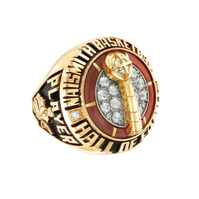 Zales Presents the New Naismith Memorial Basketball Hall of Fame Ring to the Class of 2016