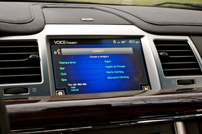 Valpak partnered with ROXIMITY to bring offers to dash of 4.5 million Ford, Lincoln autos.  (PRNewsFoto/Valpak)