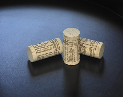Innovative cork with detailed information