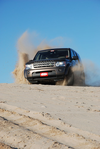 Land Rover LR4 HSE Wins Petersen's 4-Wheel & Off-Road 2011 4x4 of the Year Competition