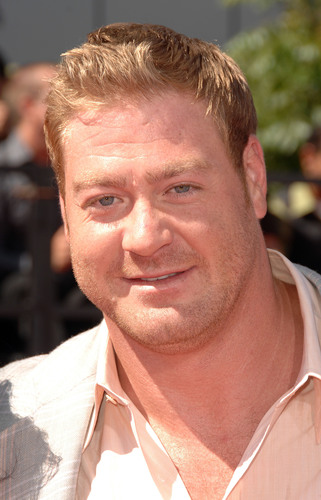 New Orleans Saint Jeremy Shockey to Lead a Team in the 2011 DRAMBUIE® Pursuit