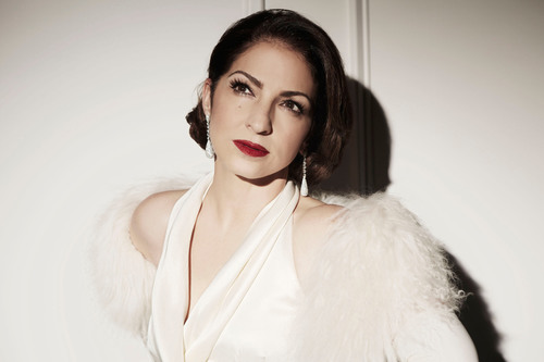 Jesus Cordero - Gloria Estefan Sings The Standards.  (PRNewsFoto/Sony Masterworks)