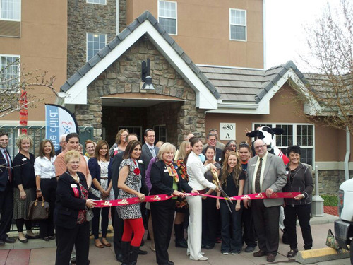 The TownePlace Suites by Marriott Boulder Broomfield celebrates their new renovation with a ribbon cutting.  (PRNewsFoto/TownePlace Suites Boulder Broomfield)