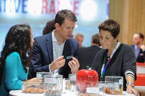 Suppliers and buyers meet at Fi Europe (PRNewsFoto/UBM EMEA) (PRNewsFoto/UBM EMEA)