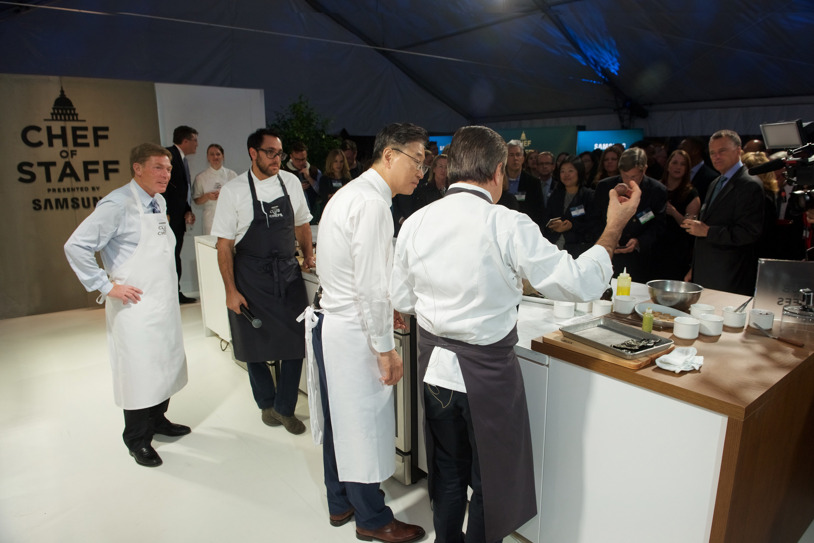 Pictured from left to right: Ken Fisher, Chairman and CEO Fisher House Foundation, BK Yoon, President and CEO, Consumer Electronics, Samsung Electronics, Daniel Boulud, Chef DANIEL