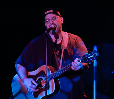 Pat DiNizio of The Smithereens launches Confessions of a Rock Star at Riviera Hotel & Casino on the Las Vegas Strip. RivieraHotel.com.  (PRNewsFoto/Riviera Hotel & Casino)