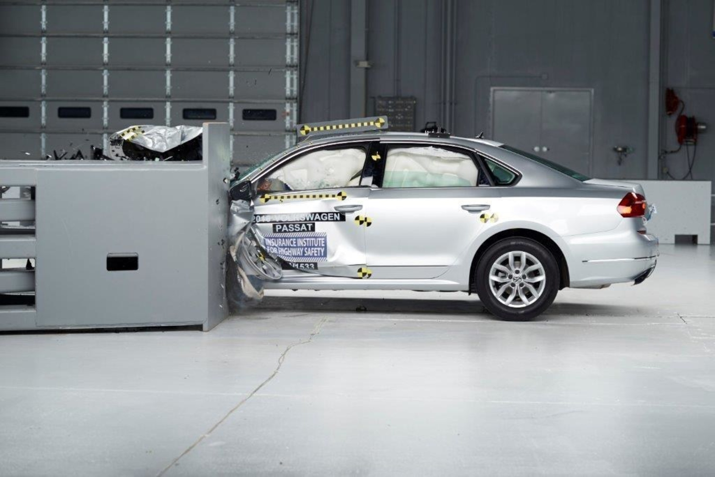 Iihs Safety Ratings >> 61 Vehicles Earn Top Iihs Safety Ratings For 2016