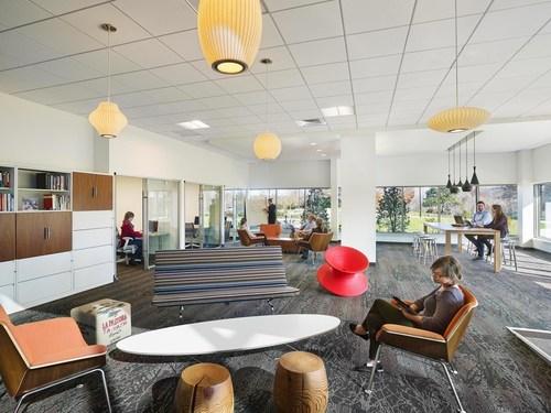 Herman Miller, toonaangevende producent van duurzaam en ergonomisch kantoormeubilair, is voor de 12e keer op ...