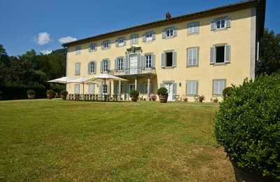 Carla hosts guests at this 18th Century Villa located just outside the rolling hills of Lucca, Italy.