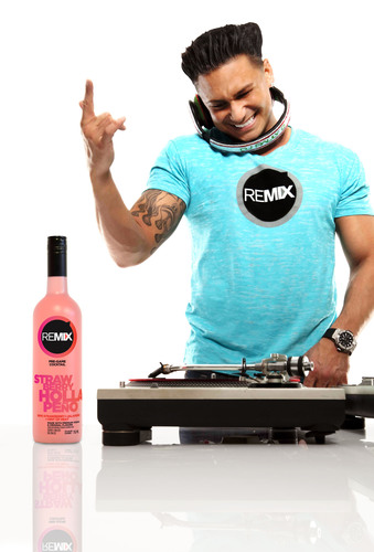 DJ Pauly D with new REMIX Cocktail. (PRNewsFoto/REMIX Cocktails, Nathaniel Welch)