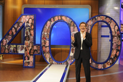 Dr. Oz celebrates the 400th episode of The Dr. Oz Show Nov. 18.  (PRNewsFoto/The Dr. Oz Show, Sony Pictures Television/Barbara Nitke)