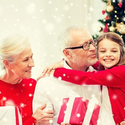 Grandparents spend GBP 3b on Christmas (PRNewsFoto/MBNA Limited)