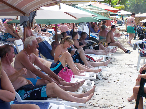 Bad Form at the Beach: TripAdvisor Beach and Pool Etiquette Survey Reveals 82 Percent Claim