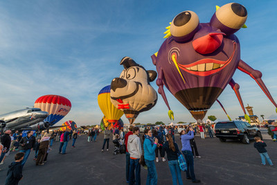 The award-winning Balloons over Horseshoe Bay Resort returns to the Hill Country Easter weekend, March 25-27 with hot air balloons, skydivers, and live music featuring Ed Kowalczyk, the former lead singer of the band Live.Tickets and hotel packages available at balloonsoverhsbresort.com or by calling 877-611-0112