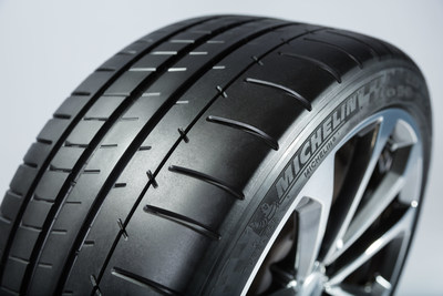 New Cadillac CTS-V features Michelin Pilot Super Sport tires