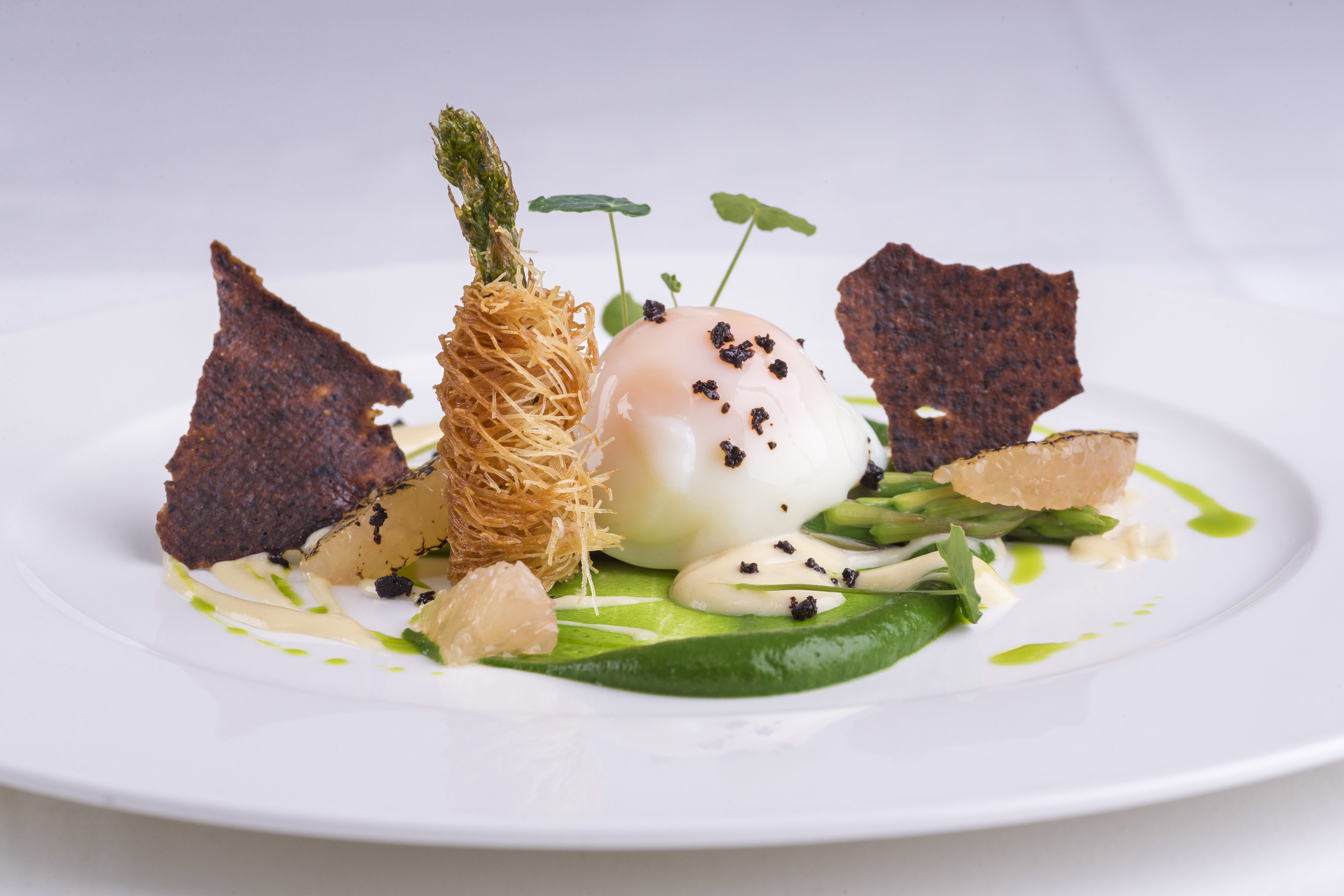 Asparagus Specialties with Oeuf Mollet and Pink Grapefruit, a new menu offering in The Verandah.