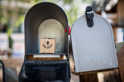 A tiny, special delivery from OREO Mini is in the mail for 50 of the smallest towns in America. Learn more and send your own OREO Mini delivery for free at OREOMiniDelivery.com. (PRNewsFoto/Mondelez International)