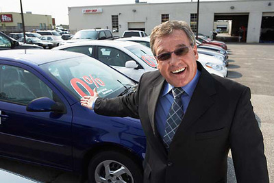 Labor Day car sales 2012.  (PRNewsFoto/AutoLiquidator.com)