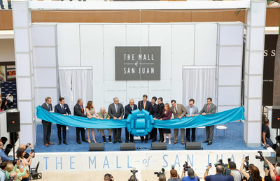 A. Alfred Taubman with sons Robert and William Taubman join New Century Development, Inc. and other special guests to open The Mall of San Juan in Puerto Rico.