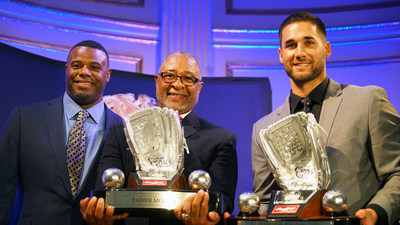 Rawlings Platinum Glove Awards are presented to Kevin Kiermaier of the Tampa Bay Rays(TM) (right) and Ozzie Smith on behalf of 4-time Platinum Glove winner Yadier Molina by Dave Winfield at the Rawlings Gold Glove Awards in New York City on November 13, 2015.