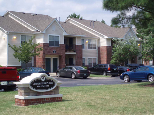 Arboretum Place Apartments located in Newport News, VA.  (PRNewsFoto/Walker & Dunlop, Inc.)