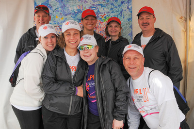 2013 National Walk for Epilepsy(R). Front Row: The Pleschourt Family from Dundas, MN. Left to Right: Kylie, Melissa, Taylor, Mark. Back Row: Upsher-Smith Laboratories, Inc. Left to Right: David Stefanoni, Kim Glisson, Laura Hoag, Steve Placeway. Photo Credit: Joody Carton Photography.  (PRNewsFoto/Upsher-Smith Laboratories, Inc.)