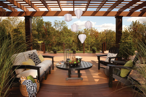 Trex(R) Pergola(TM) kits will now be offered in a variety of rich, luxurious colors to complement any outdoor living space.  (PRNewsFoto/Trex Company)