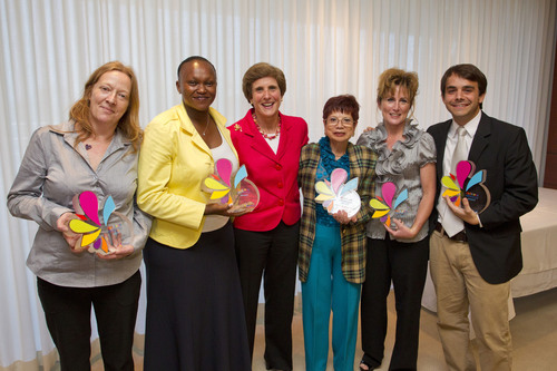 Delicious Difference Award winners celebrate with Kraft Foods CEO Irene Rosenfeld. Photo credit: Todd Rosenberg  ...