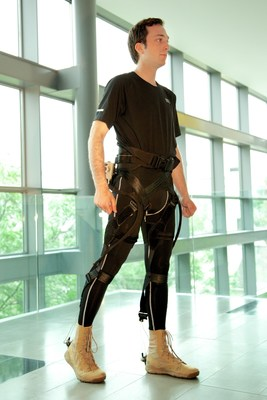The lightweight, wearable soft exosuit could help patients suffering from lower limb disability regain their mobility. Credit: Wyss Institute at Harvard University
