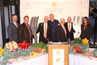 LYFE Kitchen Chicago Forklifting (l to r: Dr. Anthony Cardillo, Mike Donahue, Mike Roberts, Chef Art Smith, Carey Cooper, Paul Facella, Gail Taggart) Photo: Bridget Clauson Photography.  (PRNewsFoto/LYFE Kitchen)