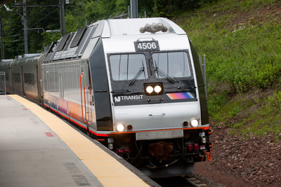 NJ TRANSIT recently unveiled a first-of-its-kind dual-powered locomotive in New Jersey. STV provided design, inspection and test engineering support services for this initiative. Photo credit: NJ TRANSIT.  (PRNewsFoto/STV)