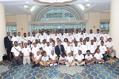 Sigma Beta Club members with Art Thomas and Carter Womack at Phi Beta Sigma Fraternity Conclave in Philadelphia. (PRNewsFoto/Phi Beta Sigma Fraternity, Inc., Kamau Kadirifu)