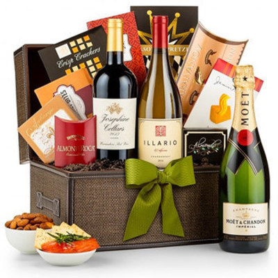 GiftBasketsOverseas.com specializes in sending gourmet gifts to more than 200 countries