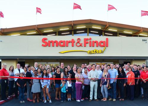 Smart & Final associates (employees) celebrate the 200th Smart & Final store opening in Long Beach, CA on Thursday, Oct. 2, 2014 (PRNewsFoto/Smart & Final)