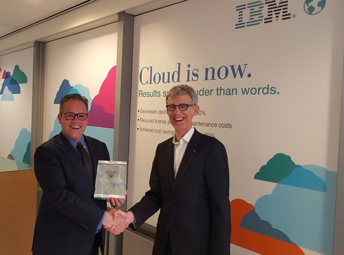Global Marketing Director A&B Groep receives the IBM award for outstanding Telecom Expense Management performance. (L) Jorg Wiedijk Global Marketing Director A&B Groep and (R) Rudi Overmars GTS Volume Sales & Channel Leader Global Technology Services IBM Benelux (PRNewsFoto/A&B Groep)