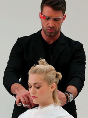 INTRODUCING MATRIX CLASS FOR GLASS(TM) - Matrix Announces Collaboration with Google Glass; Marks the First Professional Beauty Brand to Pioneer the Application of Wearable Technology (PRNewsFoto/Matrix) (PRNewsFoto/MATRIX)