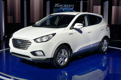 Hyundai Offers Tucson Fuel Cell Hydrogen-Powered Electric Vehicle To Retail Customers In Spring 2014. (PRNewsFoto/Hyundai Motor America) (PRNewsFoto/HYUNDAI MOTOR AMERICA)