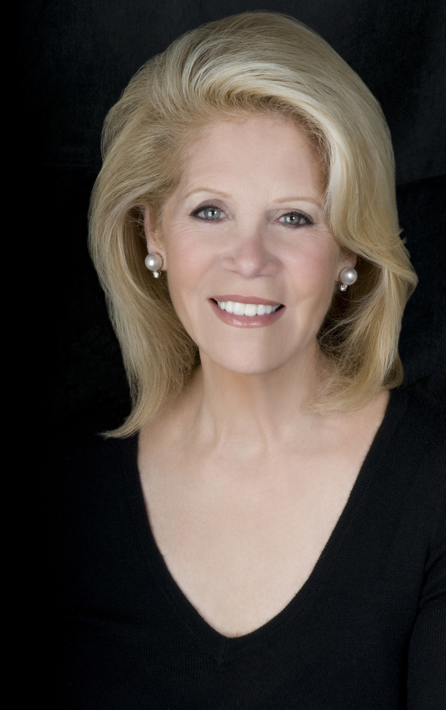 The Hasty Pudding Institute of 1770 to Honor Acclaimed Broadway Producer Daryl Roth with the Order of the Golden Sphinx