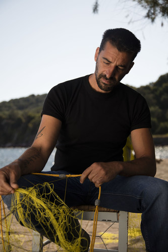 Fisherman Stratis Valamios features in Ode to Lesvos, a new documentary film by Scotch whisky makers Johnnie Walker, which charts the spontaneous humanitarian response of the Greek islanders who helped almost half a million refugees forced to flee their homelands. The islanders' inspiring human response, in the face of extraordinary tragedy, has earned them a Nobel Peace Prize nomination. (PRNewsFoto/Johnnie Walker)