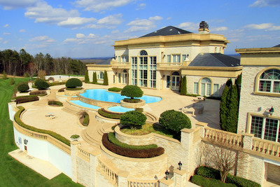 Auction May 10th of Luxury Tennessee Estate by Concierge Auctions - WindyHillsEstateAuction.com.  (PRNewsFoto/Concierge Auctions)